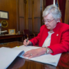 Alabama lawmakers ban abortions