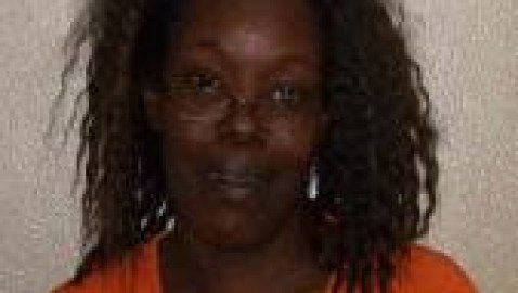 Begging Charles City woman arrested for felony arson