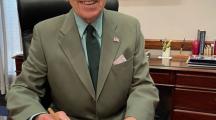 Senator Charles Grassley writes letter thanking Mason City man for hand-made pen