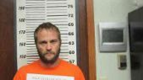 Man and pal, allegedly drunk, flee cops in golf cart, end up in a Northern Iowa jail
