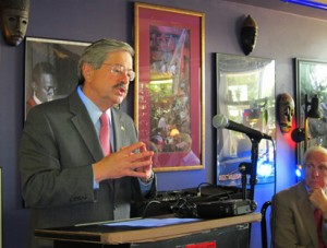 Governor Terry Branstad at Jitters Coffee Bar in Mason City on June 6th, 2011.