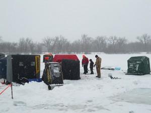 ice_fishing_2011-01