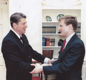 Todd Blodgett in the Oval Office with Ronald Reagan, 1988 - Official White House photo