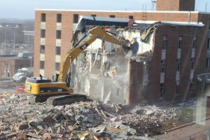 Baker Hall on the campus of the University of Northern Iowa comes down. Photo from UNI Facebook page.