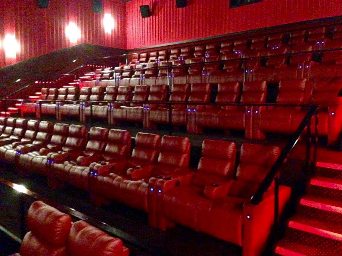 Reserved seating in very comfortable reclining chairs : recliner chairs theater - islam-shia.org