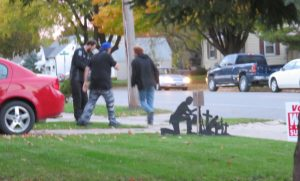 A family tussle on the quiet streets of Mason City before police arrived.